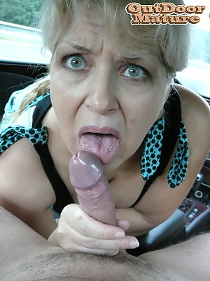Free MILF Car Porn Pictures