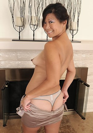 Free Asian MILF Porn Pictures