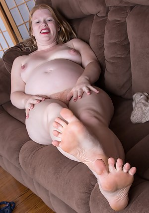 Free Pregnant MILF Porn Pictures